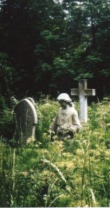 One of my favorite cemeteries: Highgate Cemetery in May