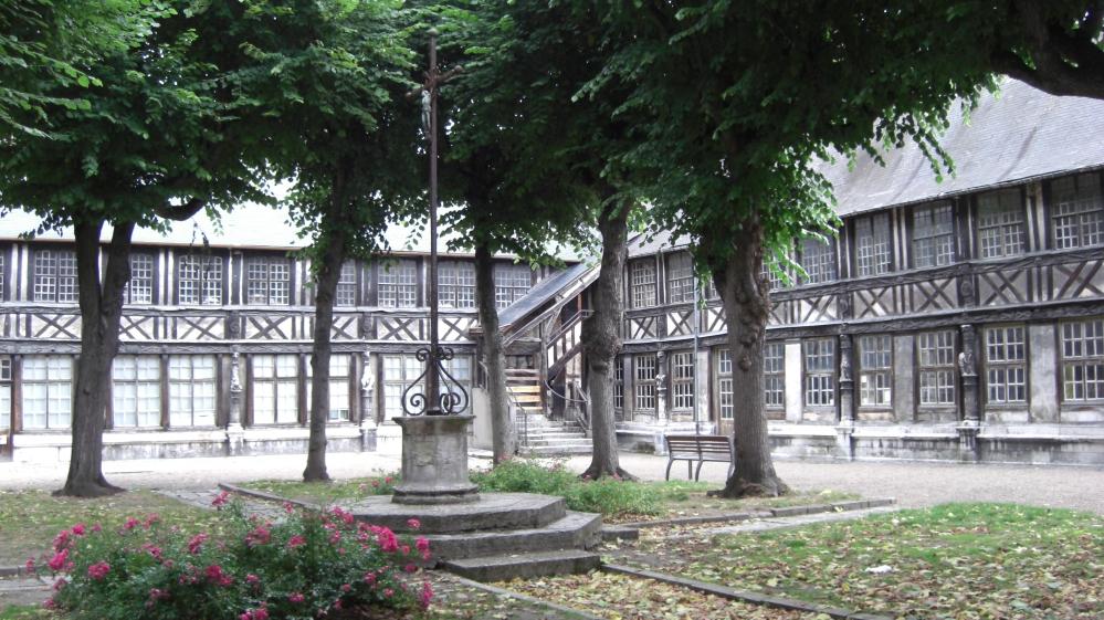 Cemetery of the Week #23: Aître Saint Maclou (1/3)