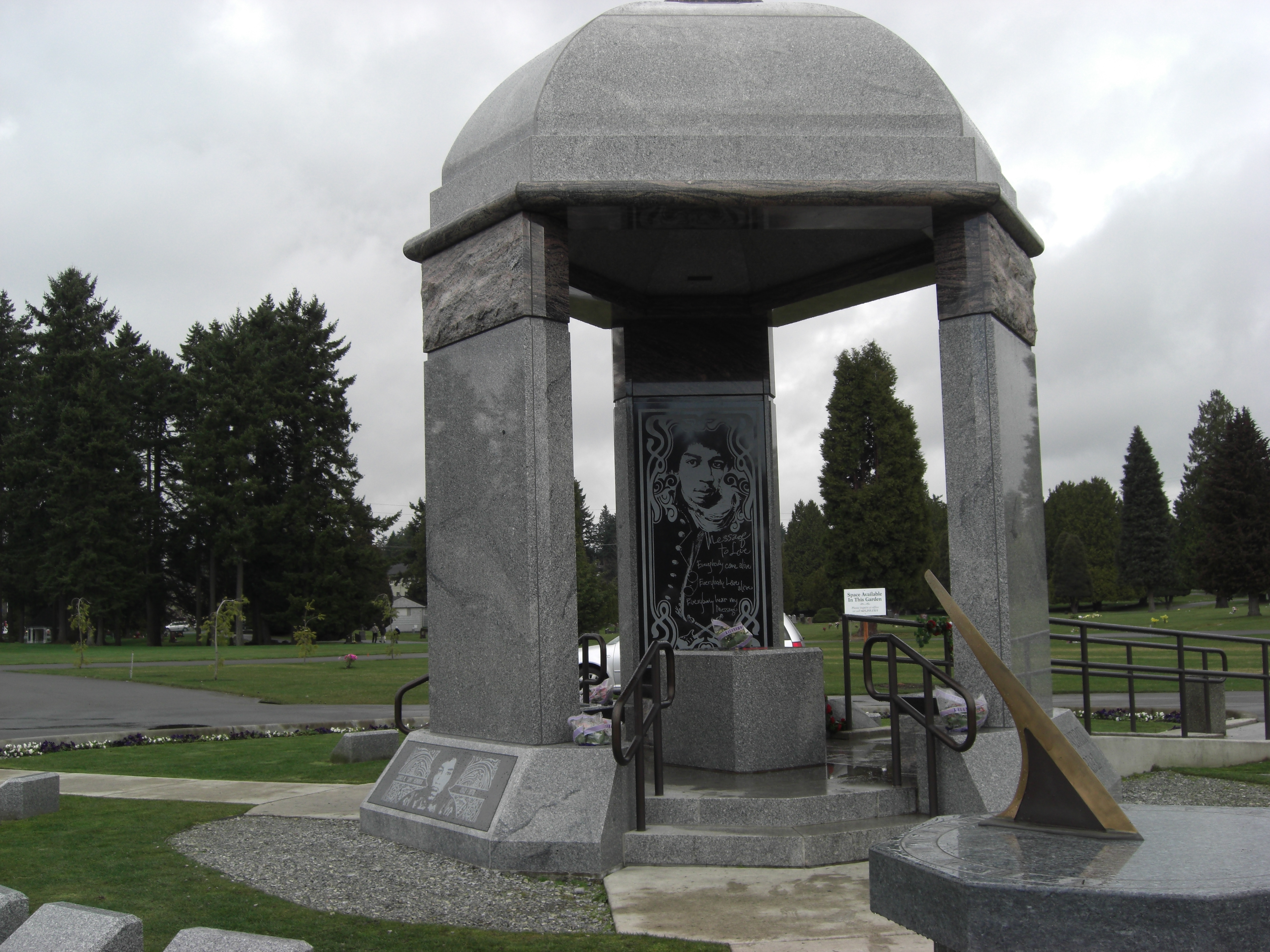 cemetery of the week 49 the jimi hendrix monument cemetery travel your take along guide to. Black Bedroom Furniture Sets. Home Design Ideas