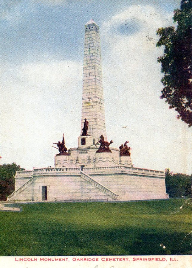 Exterior of the Lincoln Tomb, postcard postmarked 1909