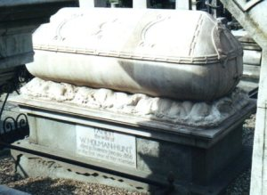 The sarcophagus of Fanny Waugh Hunt