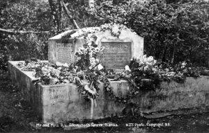 Vintage postcard of Stevenson's grave