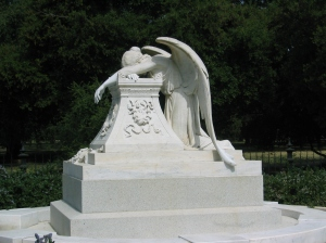 The copy of the Angel of Grief on the Stanford University campus.